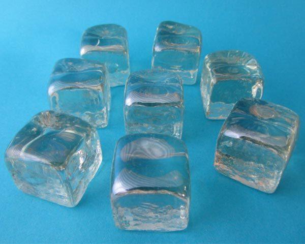 Vierkante ijsblokvormige glassteentjes van Midland Stone