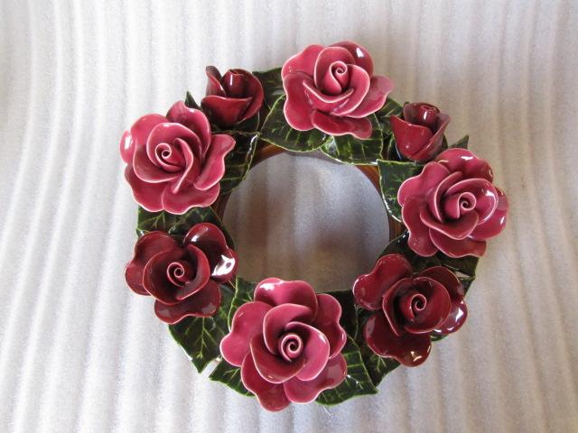 Keramieken krans met rode rozen 30 cm