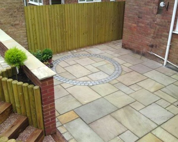 Mint Natural Paving Stone with circle in the middle